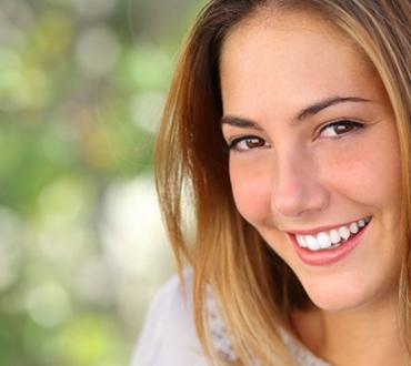 השתלת שיניים ביום אחד – היתרונות והאפשרויות